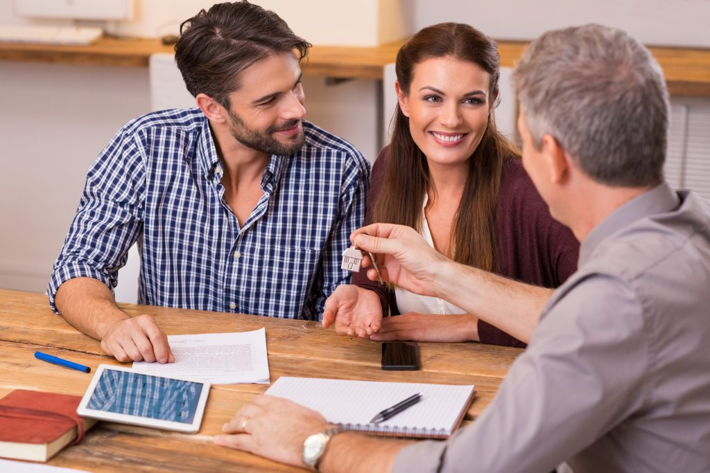 how to get a mortgage if you're an unmarried couple